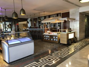 Foto 4 - Interior di 209 Dining - Vasa Hotel oleh @yoliechan_lie