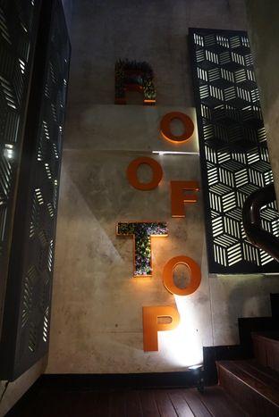 Foto 1 - Interior di De Cafe Rooftop Garden oleh eatwerks