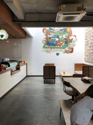 Foto 2 - Interior di Koultoura Coffee oleh @Sibungbung