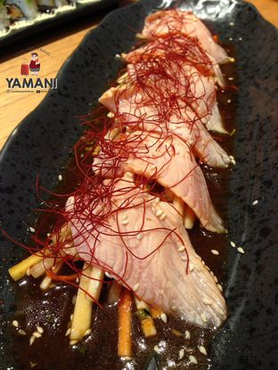 Foto 4 - Makanan(Aburi Salmon Carpaccio) di Sushi Tei oleh awakmutukangmakan