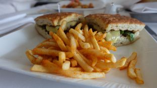 Foto 3 - Makanan di The Cafe - Hotel Mulia oleh Sharima Umaya