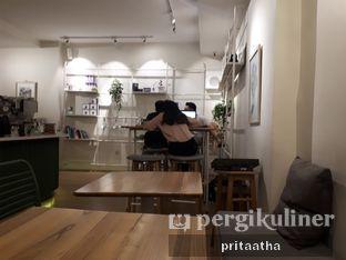 Foto 5 - Interior di Titik Koma Coffee oleh Prita Hayuning Dias