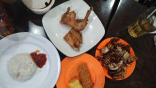 Foto 7 - Makanan di Ayam Goreng Berkah oleh Review Dika & Opik (@go2dika)