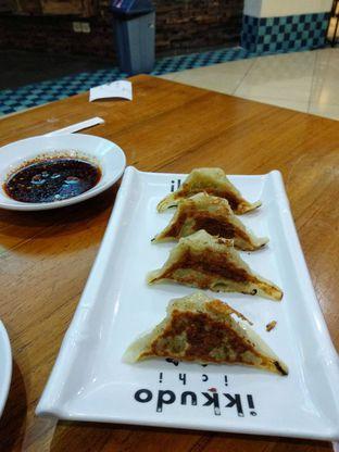 Foto 2 - Makanan(Grilled Chicken Gyoza (IDR 25k)) di Ikkudo Ichi oleh Renodaneswara @caesarinodswr