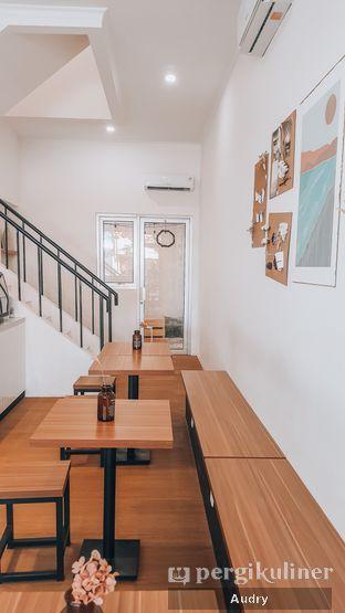 Foto 3 - Interior di Ruach Coffee oleh Audry Arifin @makanbarengodri