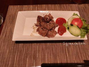 Foto 5 - Makanan di The Cafe - Hotel Mulia oleh mayalizhi