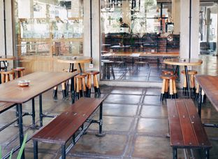 Foto 6 - Interior di Baked & Brewed Coffee and Kitchen oleh Indra Mulia