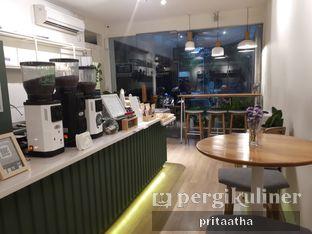 Foto 4 - Interior di Titik Koma Coffee oleh Prita Hayuning Dias