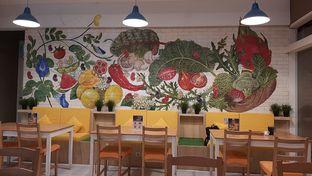 Foto 7 - Interior di Greens and Beans oleh chandra dwiprastio