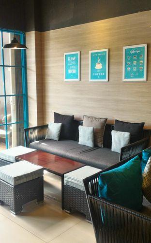 Foto 2 - Interior di Dailydose Coffee & Eatery oleh Ika Nurhayati