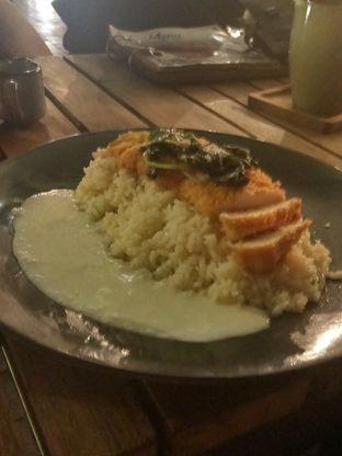 Foto 2 - Makanan(Tori Katsu) di Siku Dharmawangsa oleh YSfoodspottings
