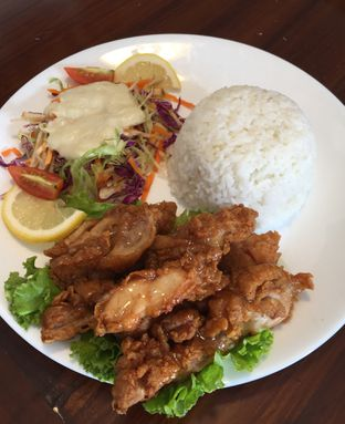 Foto 2 - Makanan(lemon chicken rice) di Vintage Cafe oleh Jeljel