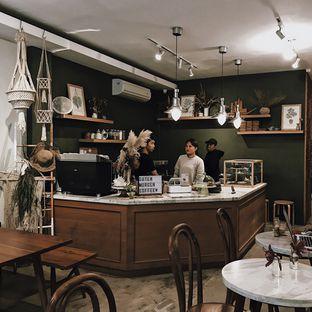 Foto 3 - Interior di Guten Morgen Coffee Lab & Shop oleh Della Ayu