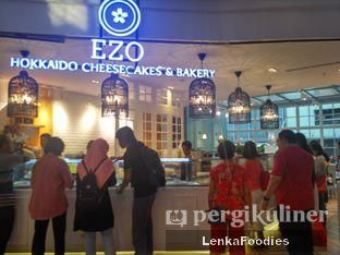 Foto review Ezo Hokkaido Cheesecake & Bakery oleh LenkaFoodies (Lenny Kartika) 1