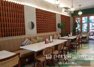 Foto 7 - Interior di Hasea Eatery oleh UrsAndNic