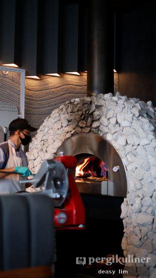 Foto 3 - Interior di Animale Restaurant oleh Deasy Lim