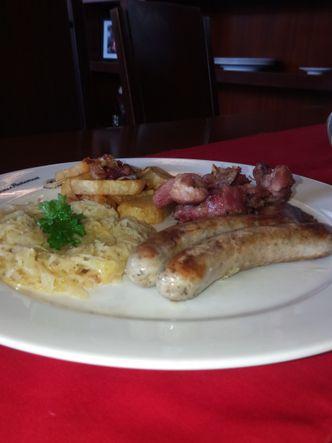 Foto Makanan di Mama's German Restaurant
