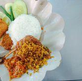 Foto Bebek Penyet di Ayam Penyet Surabaya