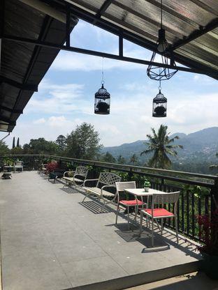 Foto 7 - Eksterior di Breeve Hills Resto & Cafe oleh RI 347 | Rihana & Ismail