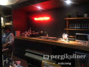 Foto 5 - Interior di Woodpecker Coffee oleh Icong