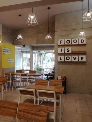 Foto 7 - Interior di OTW Food Street oleh Lili Alexandra