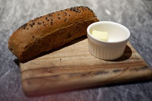 Foto 3 - Makanan(Brown Roll) di Hurricane's Grill oleh Chrisilya Thoeng