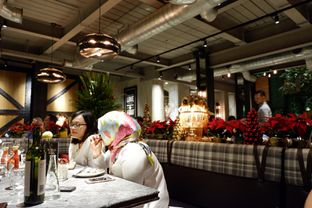 Foto 1 - Interior di Hurricane's Grill oleh Chrisilya Thoeng