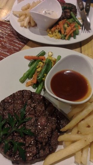 Foto 2 - Makanan(Rib Eye Australian Meltique Beef) di Double U Steak by Chef Widhi oleh Irine