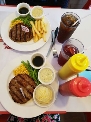 Foto 3 - Makanan di Holycow! STEAKHOUSE by Chef Afit oleh Theodora