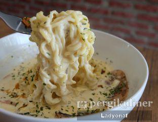 Foto 1 - Makanan di Warung Laper oleh Ladyonaf @placetogoandeat