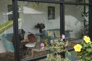 Foto 11 - Interior di Semusim Coffee Garden oleh yudistira ishak abrar