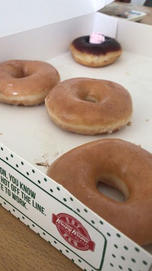 Foto - Makanan di Krispy Kreme oleh Christalique Suryaputri