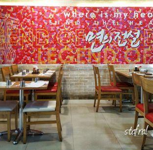 Foto 5 - Interior di Legend Of Noodle oleh Stanzazone