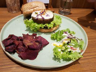 Foto 1 - Makanan(Big Max) di Burgreens Eatery oleh Siti Hiroshi