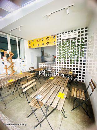 Foto 8 - Interior di Lab Coffee oleh Makan Samacici