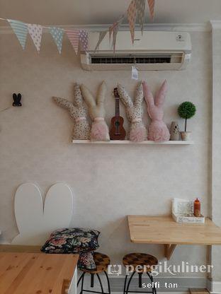 Foto 6 - Interior di MyBunBun Rabbit Cafe oleh Selfi Tan