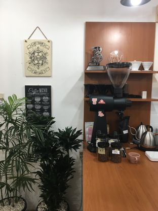 Foto 3 - Interior di Fugol Coffee oleh Mariane  Felicia