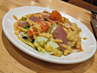 Foto 1 - Makanan(Maguro & Salmon Salad) di J Sushi oleh Nathania Kusuma