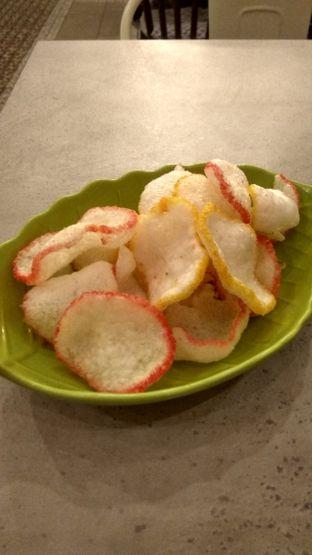 Foto 1 - Makanan(Mie Goreng Seafood (IDR 40k) ) di Bakoel Bebek oleh Renodaneswara @caesarinodswr