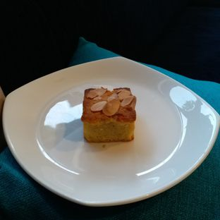 Foto 2 - Makanan(Almond cake) di One Ninety Coffee Culture oleh Kuliner Limited Edition