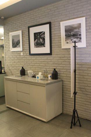 Foto 14 - Interior di YOMS Pisang Madu & Gorengan oleh Prido ZH