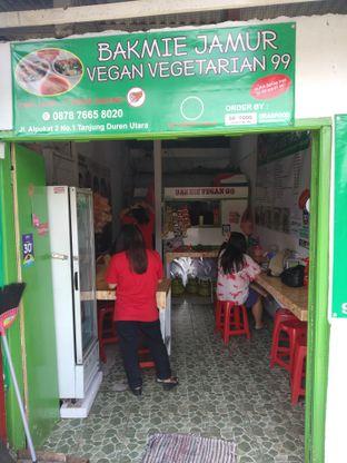 Foto 5 - Interior di Bakmie Jamur Vegan Vegetarian 99 oleh deasy foodie