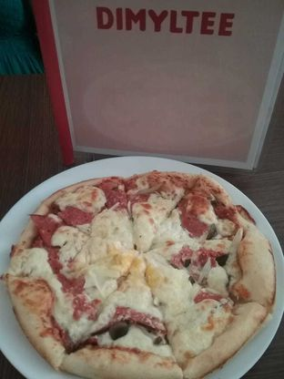 Foto 1 - Makanan(British Fuze Pizza) di Dimyltee oleh Joan Kristianti