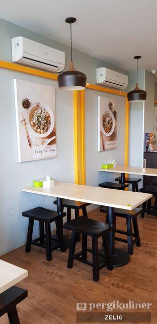 Foto 8 - Interior di Tai Wah Noodle oleh @teddyzelig