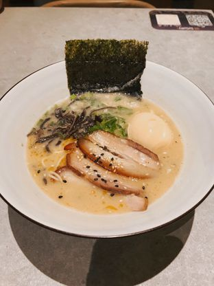 Foto 3 - Makanan(Tonkotsu Ramen (88k)) di Susuru oleh Riris Hilda