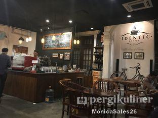 Foto 3 - Interior di Identic Coffee oleh Monica Sales