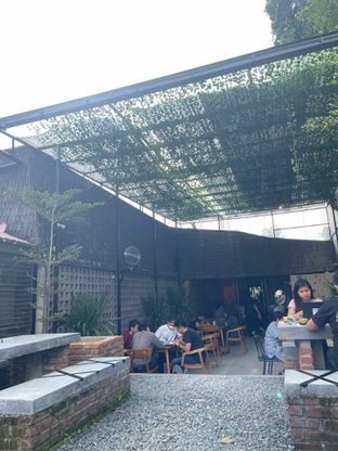 Foto 3 - Interior di Ekara Coffee oleh @diokharisma