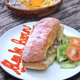 Foto 4 - Makanan(Sandwich Chicken Mushroom) di BlackBarn Coffee oleh Melisa Stevani