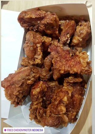 Foto 4 - Makanan(Ayam Satu - 1 kotak isi 16 potong) di Fried Chicken Master oleh Gembuli Tan