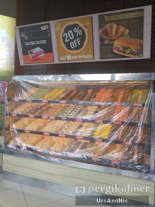 Foto review Dunkin' Donuts oleh UrsAndNic  9